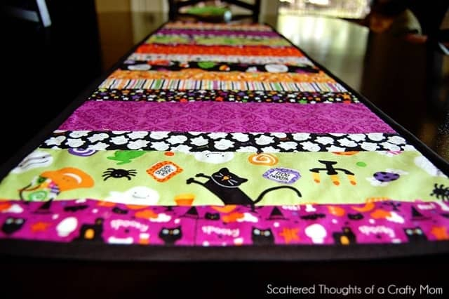 (I Plan On Making A Quilt For My Daughter This Winter, So I Wanted To  Practice And Start With Something Easy.) I Decided To Make A Quilted Table  Runner For ...
