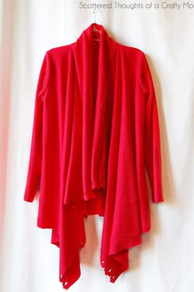 Make this awesome DIY Draped Cardigan with a $2.99 fleece throw from IKEA!