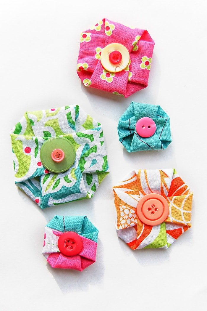 how to make fabric flowers without sewing