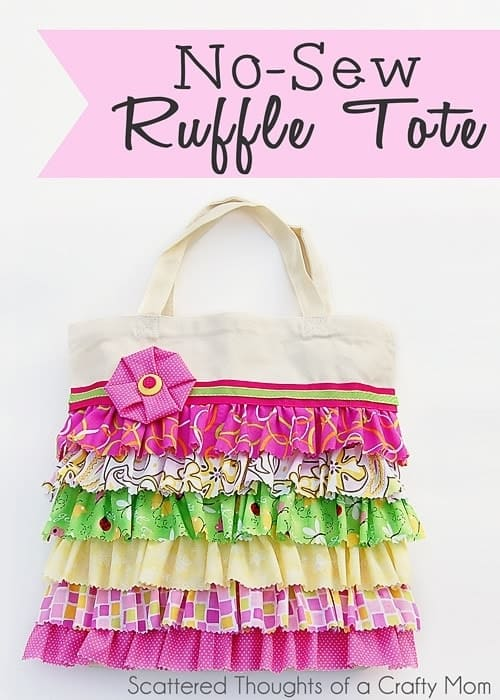 Tutorial to make this adorable ruffled tote bag w/ NO SEWING!