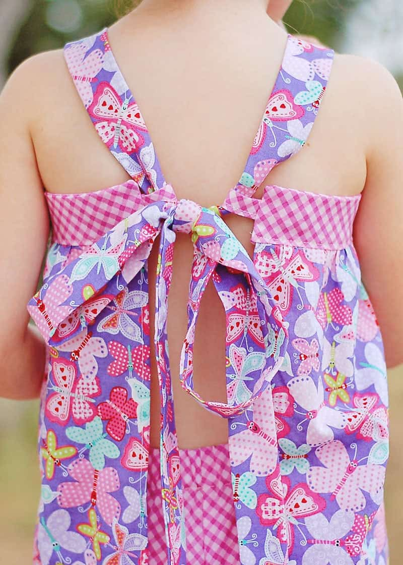 Free sewing pattern! Girl's Apron Top - sz 2 to 6)