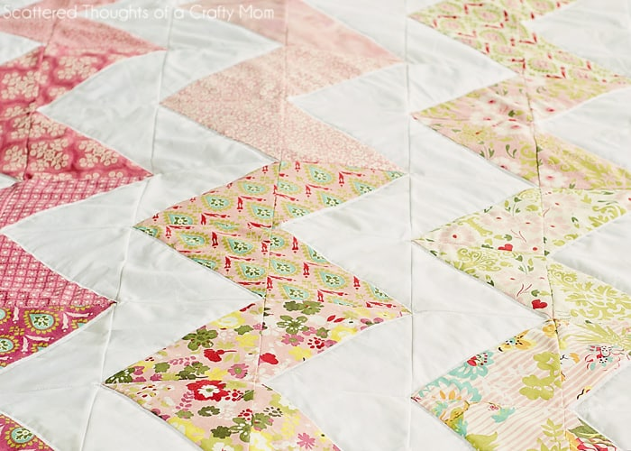 Chevron Quilt (the easy way...) - Scattered Thoughts of a Crafty ... : chevron quilt - Adamdwight.com