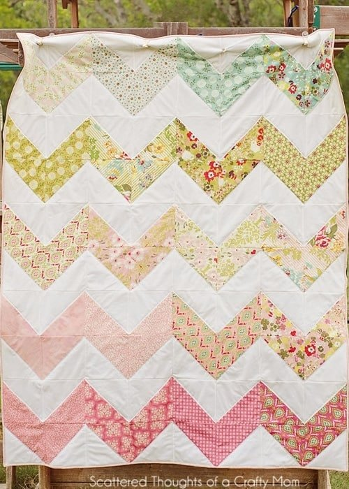 Chevron Quilt pattern, learn how to make a chevron quilt the easy way!
