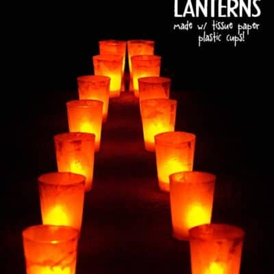 DIY Halloween Lanterns. This Easy Halloween craft is perfect for kids! (plus it's made with houshold items: plastic cups, tissue paper and glue)