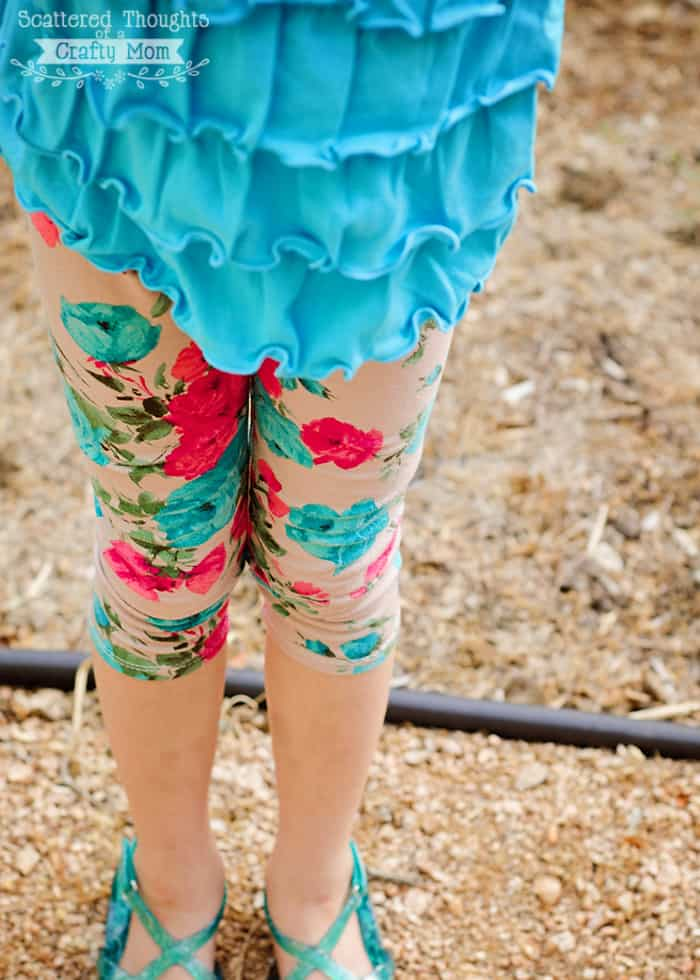 Make your own floral leggings with this free pattern.