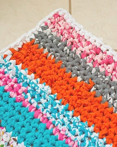 How to Crochet a Rag Rug with Fabric Scraps