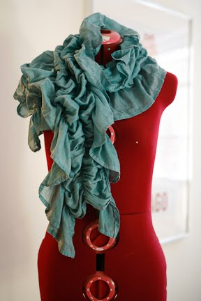 How to make a gathered scarf