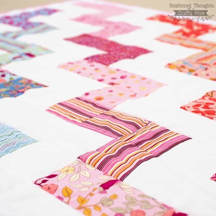 Free Zig Zag Quilt Pattern and Tutorial