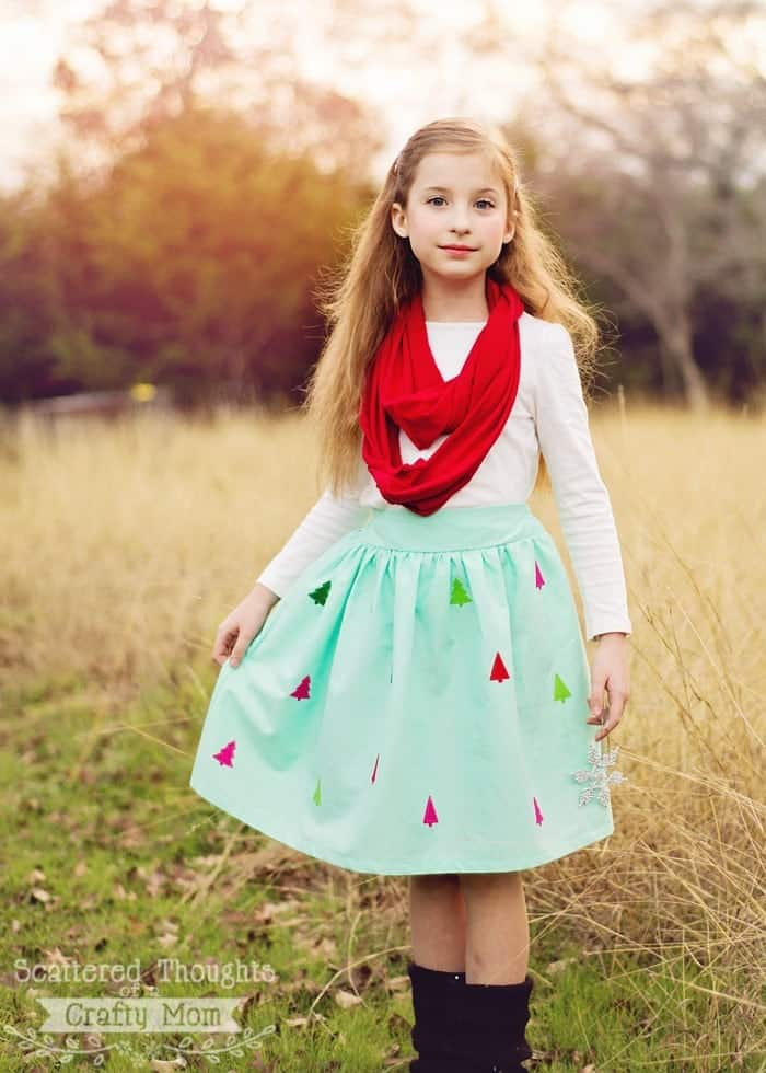 Felt Applique Christmas Skirt Tutorial