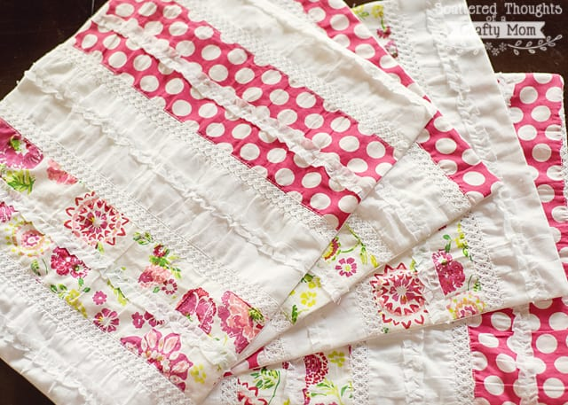 Super Easy Shabby Chic Placemat Tutorial
