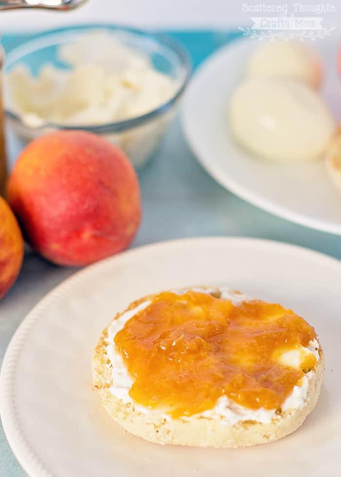 How to make peach jam.