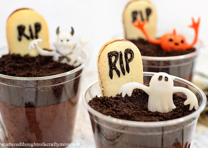 graveyard pudding
