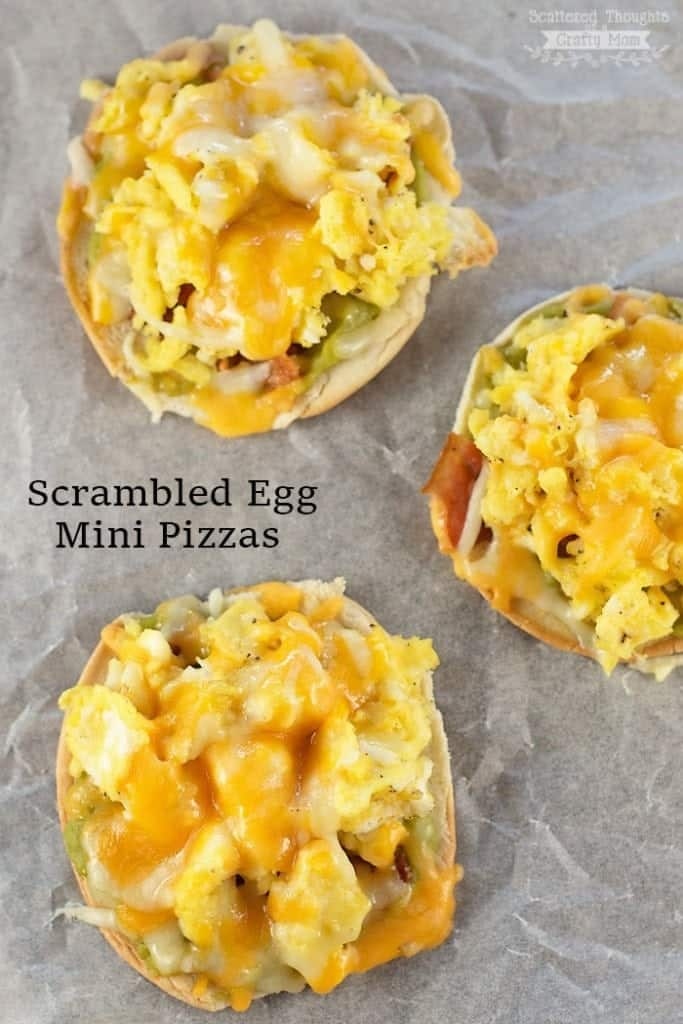 These Scrambled Egg Mini Pizzas are perfect for breakfast or even dinner!
