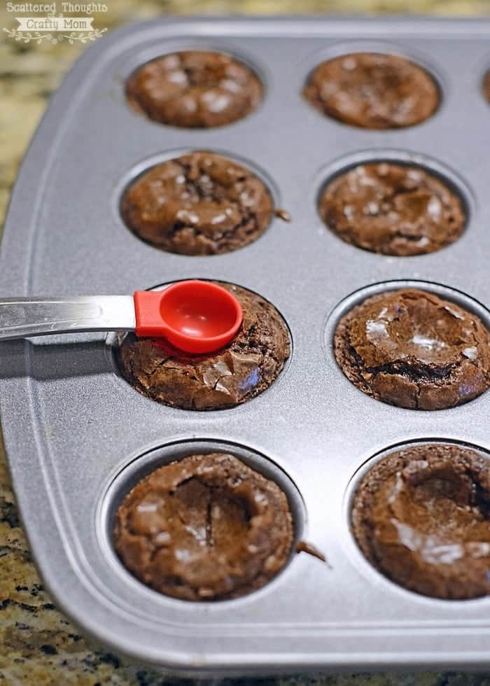how to fill brownie bites