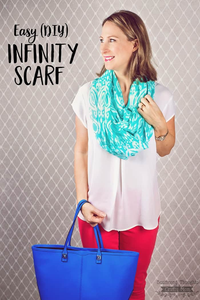How to make an infinity scarf (in 5 minutes!)