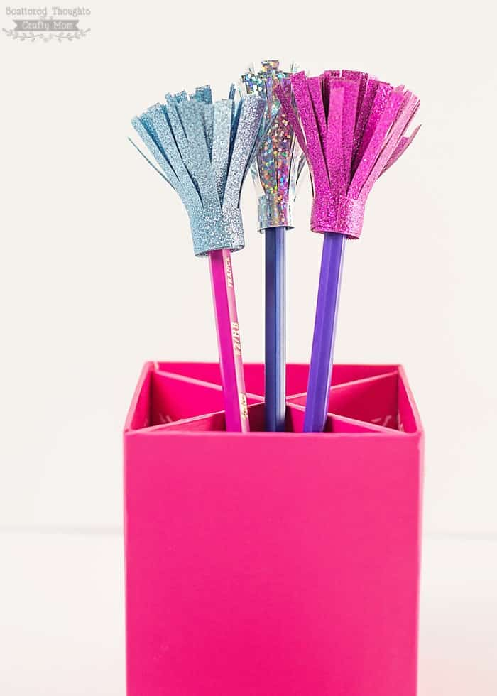 Make these adorable Pencil Toppers out of Duck Tape! They are a perfect craft to get the kids pumped for back to school!