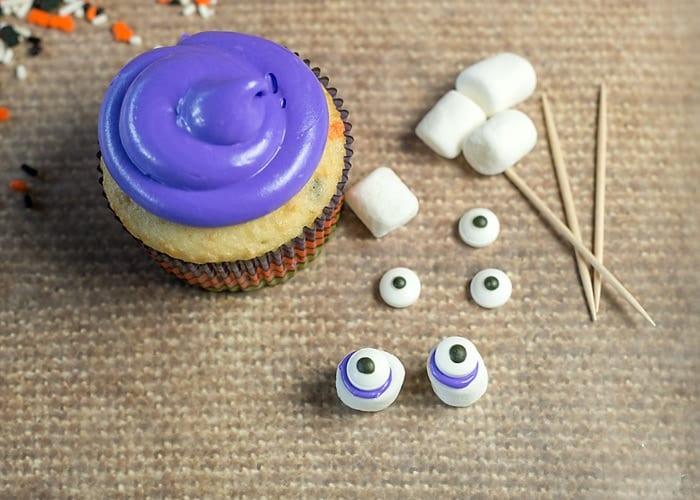 monster eye cupcakes