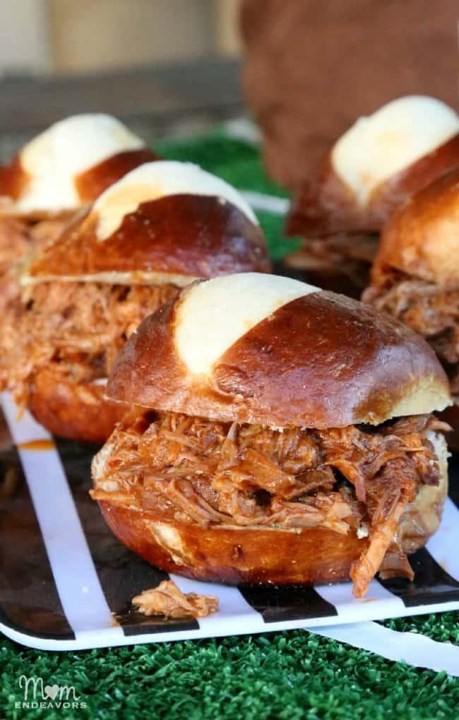 Slow-Cooker-Pulled-Pork-Pretzel-BunSliders