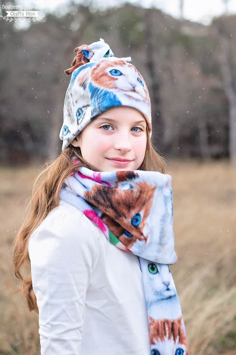 How to sew a Fleece Scarf and Hat.