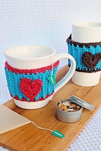 Free Crochet Pattern: Heart Mug Cozy
