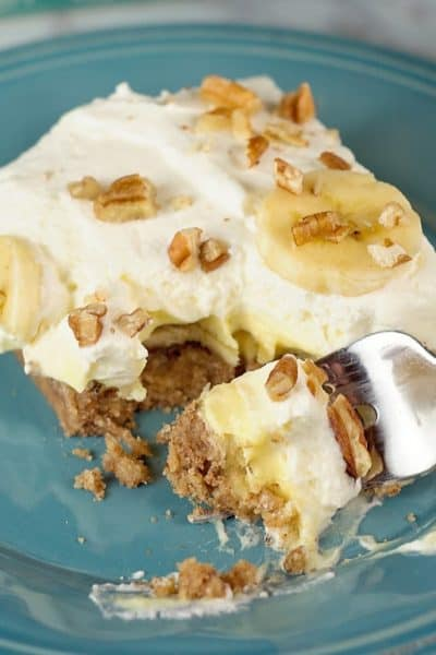 Banana Cream Pie Bars with a Pecan Crust
