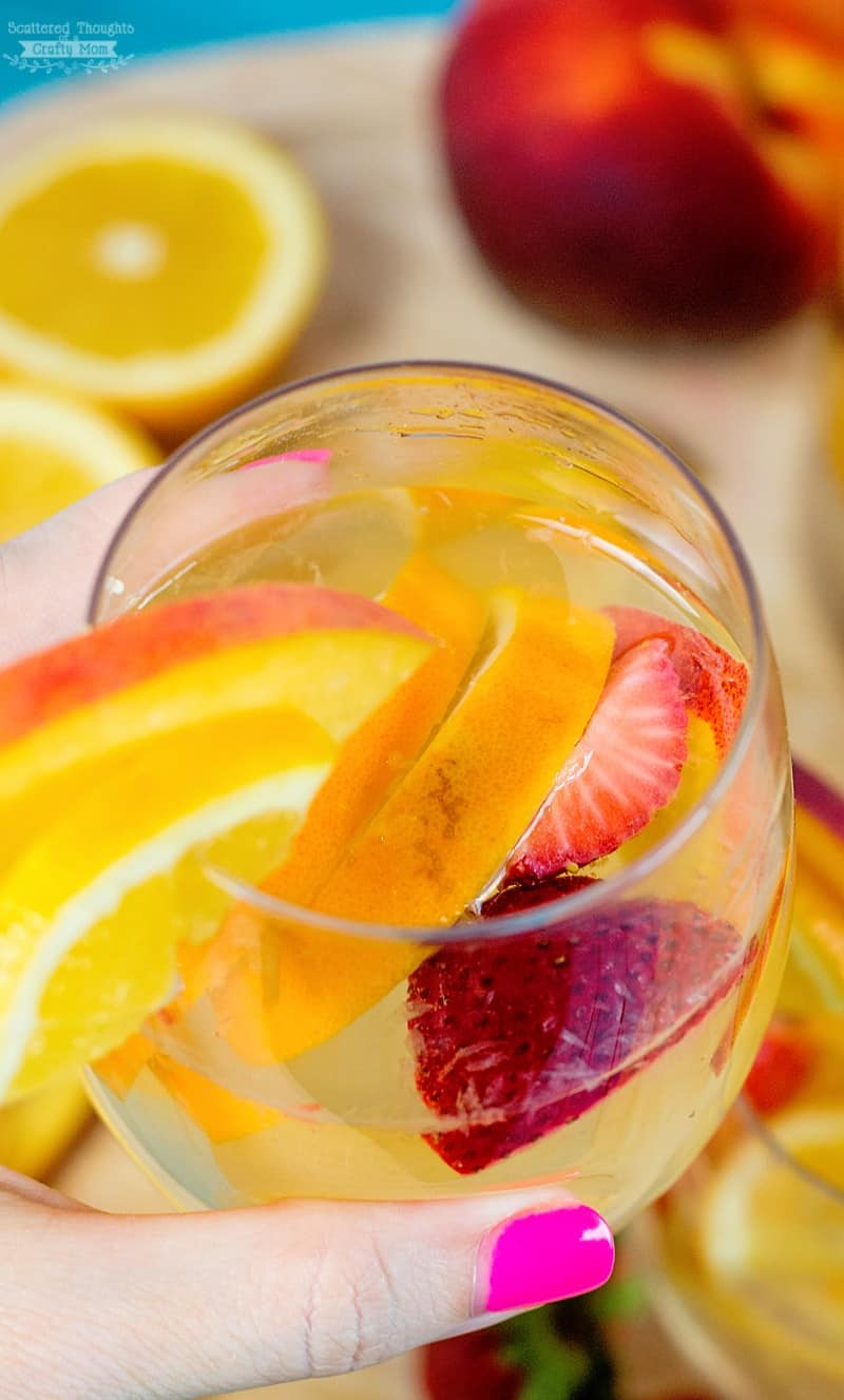 Sparkling Summer Peach Sangria Recipe