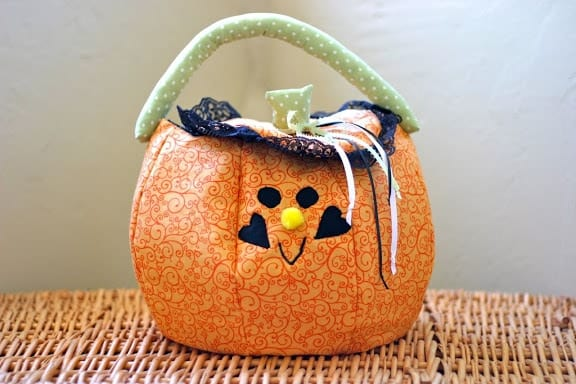 Adorable Trick or Treat Bag to sew