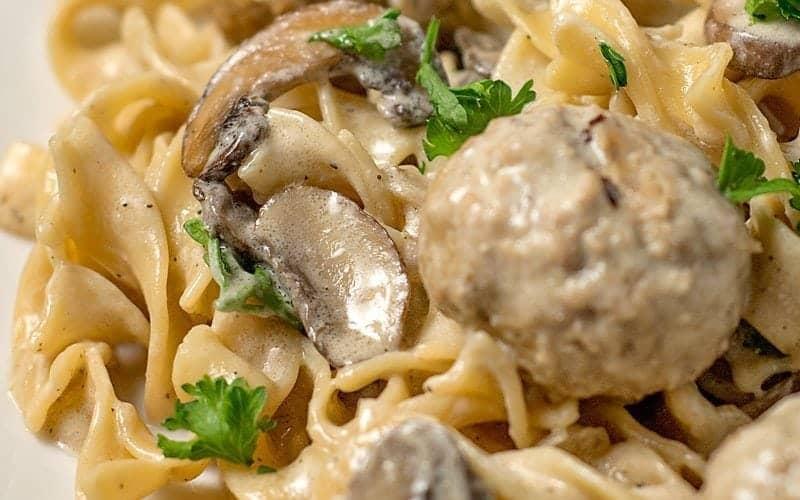 Easy One Pot Meatball Stroganoff Recipe (20 min meal)