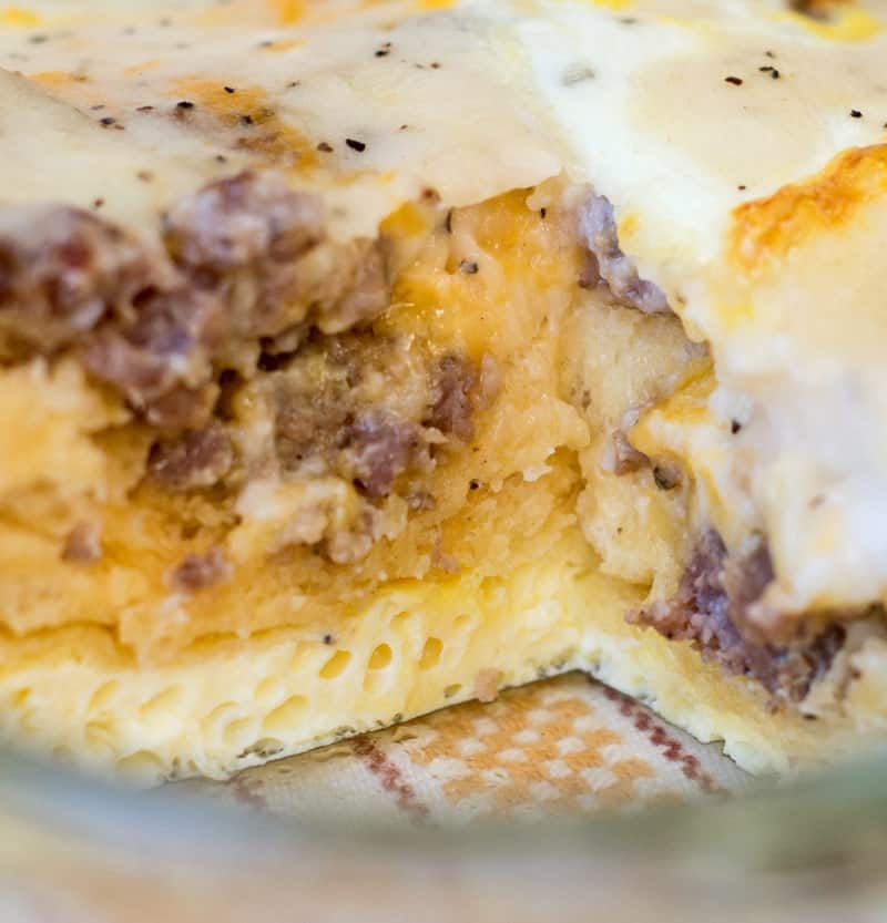 easy breakfast casserole (biscuits and gravy casserole)