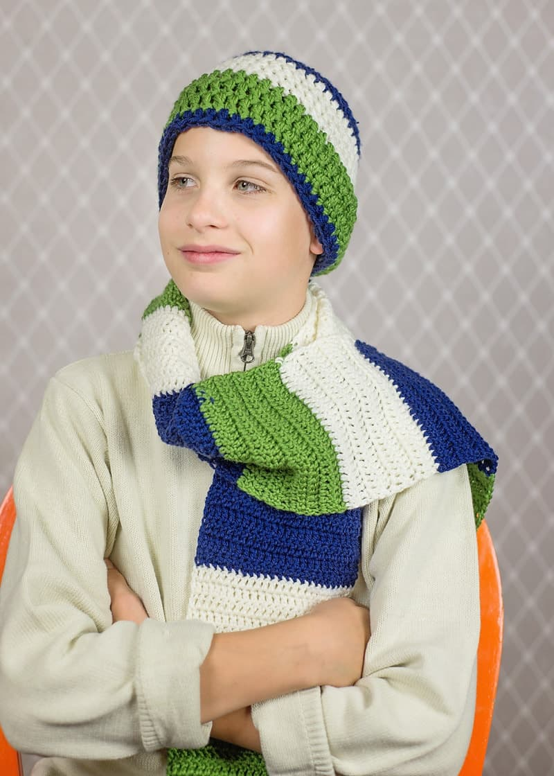 Crochet Scarves for boys: How to Crochet a Color Blocked Scarf and Beanie Set