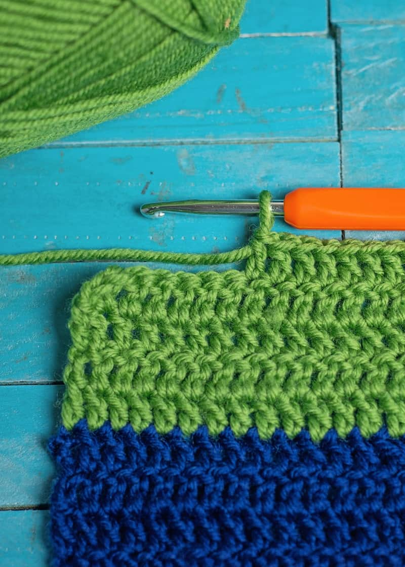 Simple Crochet Project for the boys: Easy Crochet Color Blocked Scarf and Beanie Set