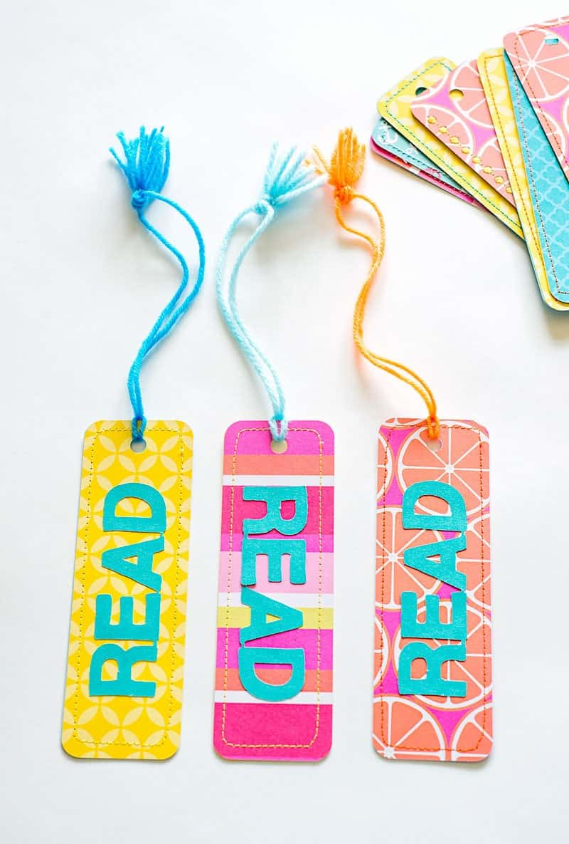 These Easy Paper Bookmarks include a free bookmark template (SVG and PDF), perfect for a fun tween craft, end of the year favors, parties or for your summer reading program!