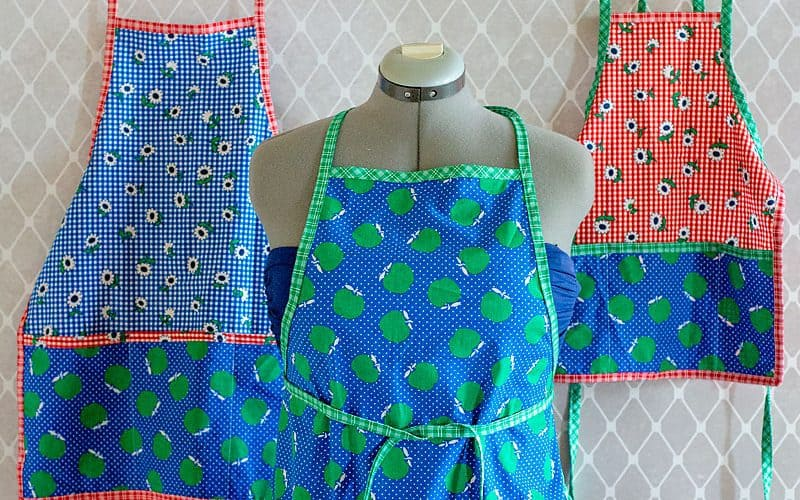 Free Apron Pattern 3 sizes (toddler/tween/adult)