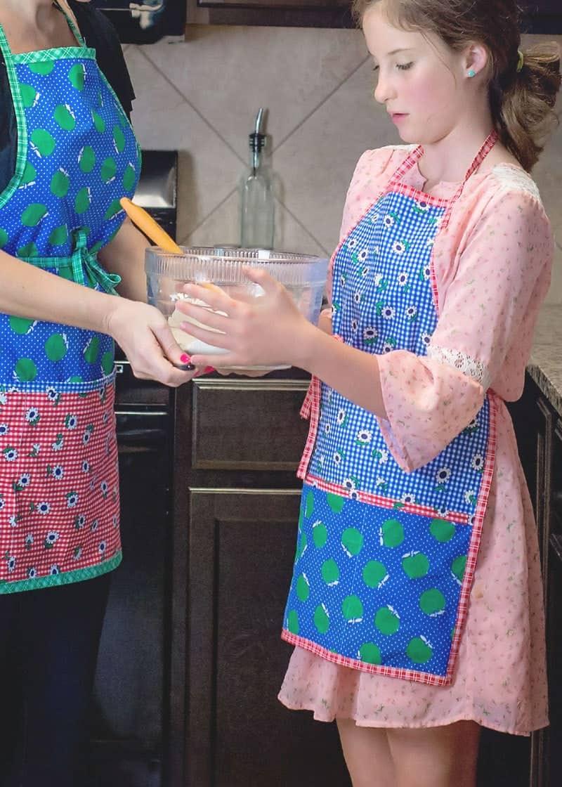 free tween apron pattern
