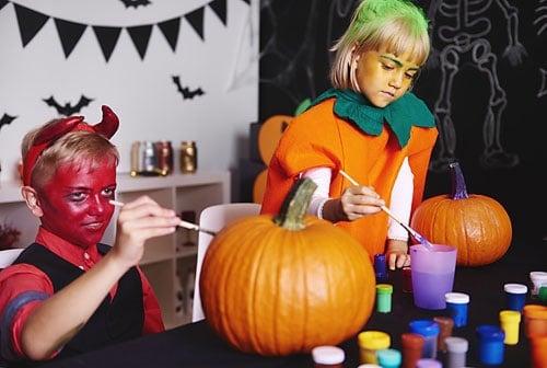 Halloween party games- DIY pumpkin decorating station