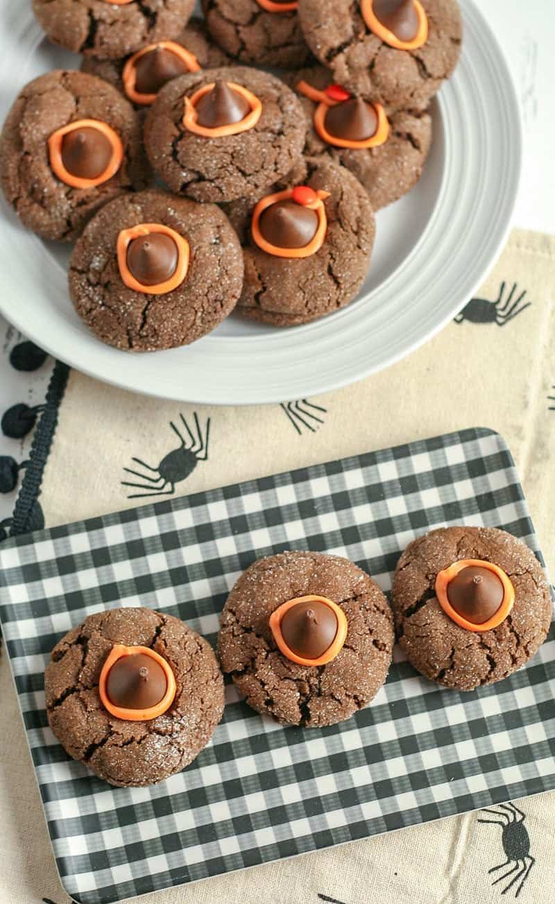 These fun Witch Hat Cookies are the perfect treat for the upcoming Halloween season. They're seriously too cute to be spooky!