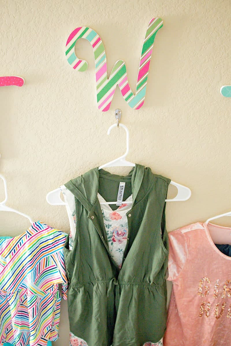 ideas to orgainze kids clothes for school