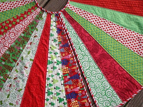 Christmas crafts to make and sell - Quilted Chrismas Tree Skirt