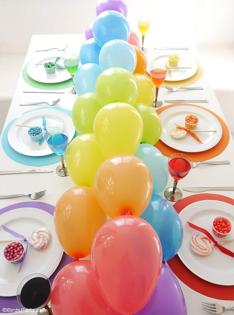 balloon garland tablescape
