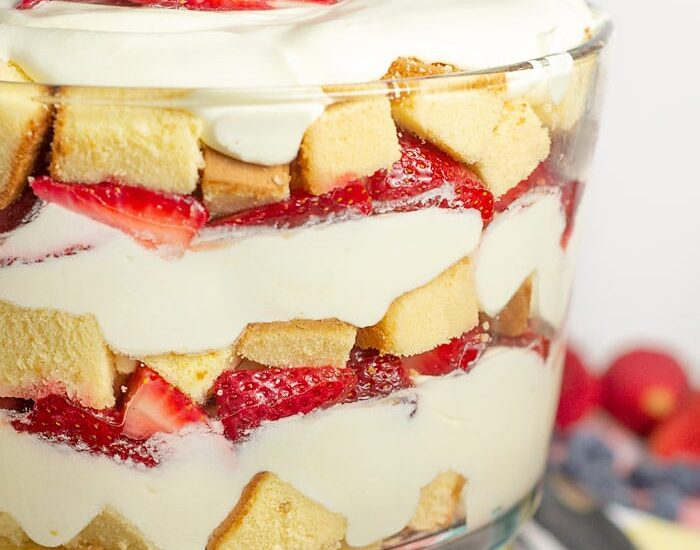 Strawberry trifle with pound cake