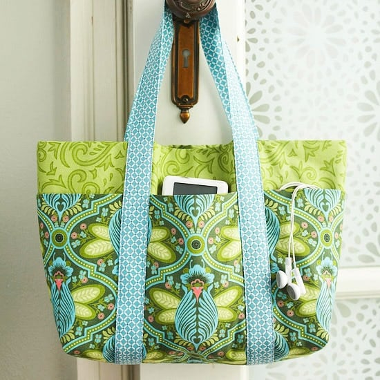 cute tote bag with pockets - free pattern and tutorial
