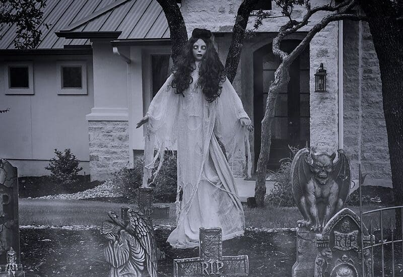 Spooky Halloween Yard Decoration Ideas