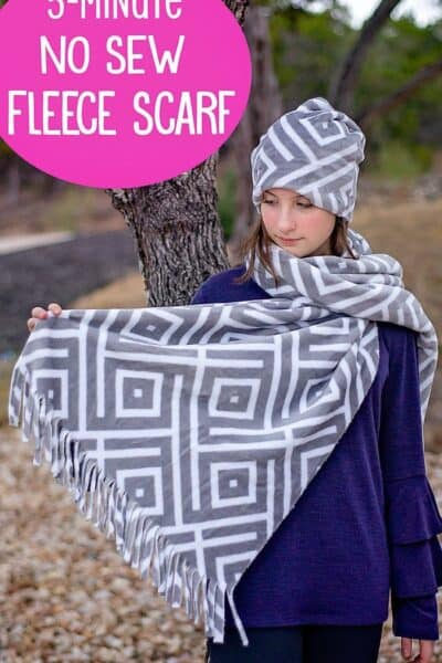 Five Minute No Sew Fleece Scarf