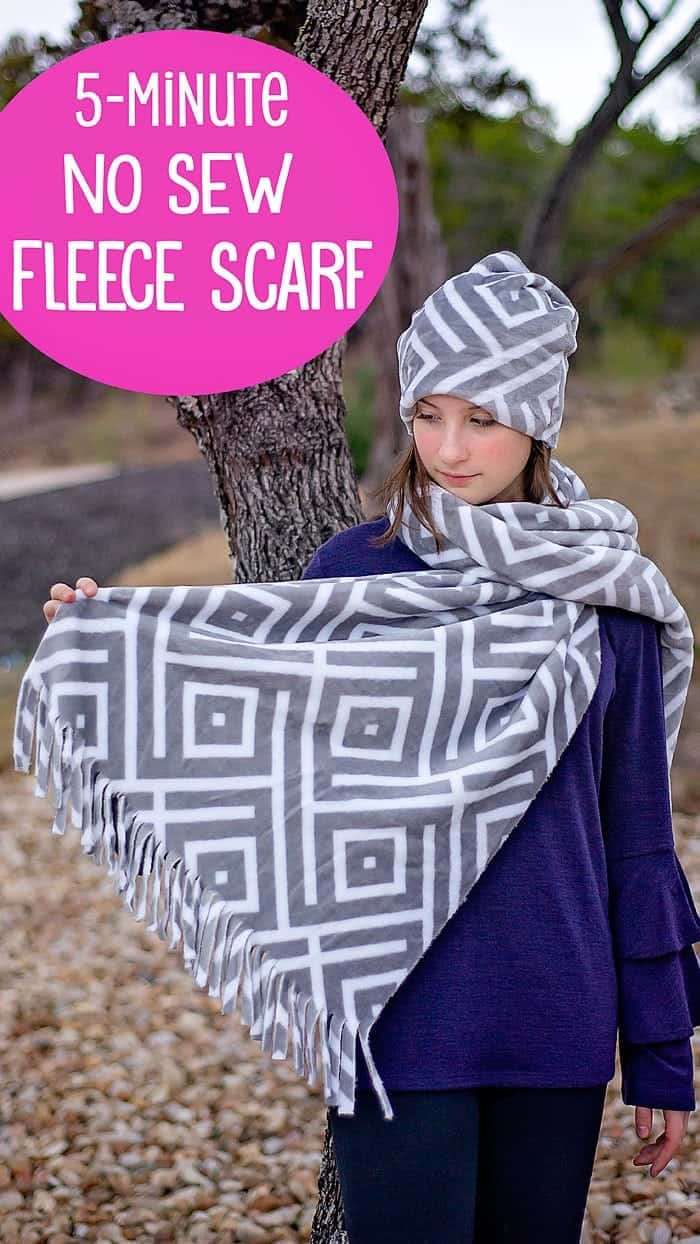 how to make a no sew fleece scarf