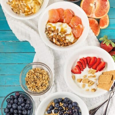 Easy Yogurt Bowls for Breakfast – 8 different ideas!