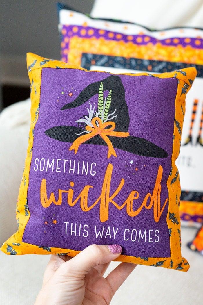 halloween pillows using fabric panels