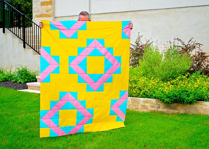 free geometric quilt pattern with half square triangles