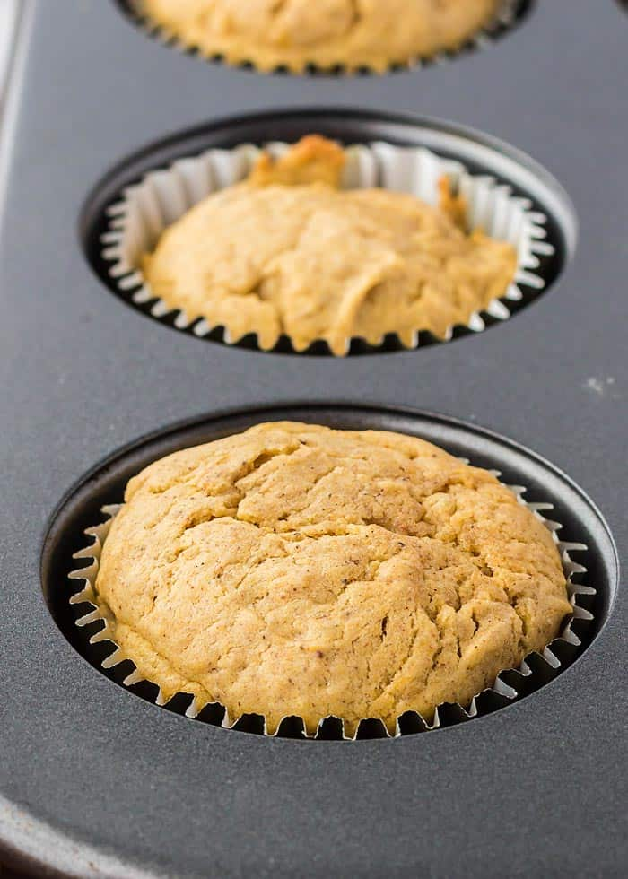 pumpkin spice cupcakes unfrosted